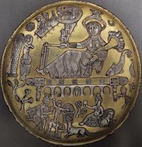 Plat sassanide égyptisant du Musée du Koweït